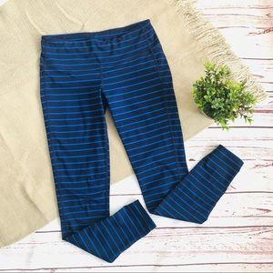 Athleta   Stripe Chaturanga Capri Leggings S